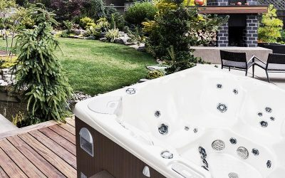 Beautiful Backyard With BCHL Hot Tub 2